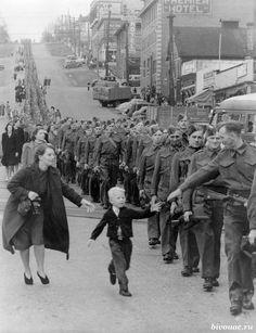 """Sorry, good-bye, Mom! I want to be a soldier"" / ""Прости-прощай, мама! Хочу быть солдатом""."