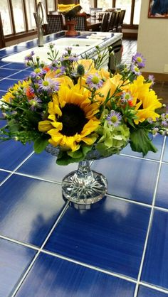 Centerpiece I designed  for recent party. Moonflower Cottage
