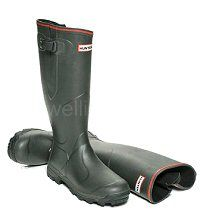 "Balmoral ""Bamboo Carbon"" Lined Hunter Boots in Dark Olive - Warm, high tech., robust field boots in Men's & Women's sizes UK 4-13, EU 37-48. The Bamboo Carbon lining keeps your feet warm and assists in stopping perspiration. These boots have a waterproof calf gusset with adjustable strap and scalloped boot top. Hunter Wellington Boots, Wellies Boots, Hunter Boots, Rubber Rain Boots, Calves, Bamboo, Warm, Clothing, Shoes"