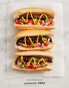 The best vegan and vegetarian hot dog products and recipes you can make for your summer cookout. Vegan Vegetarian, Vegetarian Recipes, Healthy Recipes, Healthy Junk Food, Vegetarian Barbecue, Dog Recipes, Cooking Recipes, Recipies, Beste Burger