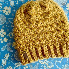 Messy Bun Beanie | Ponytail Beanie | Crochet | Crochet Hat . . #crochet #designsbyphanessa #handmadebyphanessa #crocheting #crocheted #crochetaddict #yarn #chunkyknits #makersgonnamake