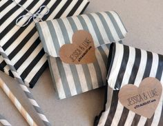 15 Striped Candy Favour Bags and Heart Shaped Stickers  - Wedding / Party / Birthday Favor.