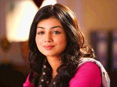 Beautiful looking Ayesha Takia