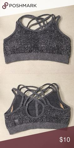 Adorable Criss-Cross Forever 21 Sports Bra Adorable gray and black Criss-Cross Forever 21 Sports Bra. Worn only once! Great for working out! Forever 21 Intimates & Sleepwear Bras