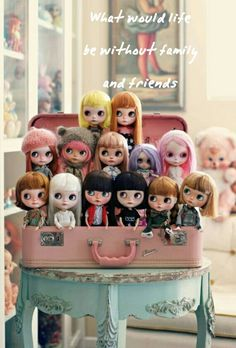 Cute way to display dolls