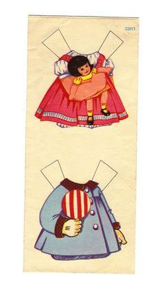 Poupées Lito, sans doute de la première génération car les dernières étaient sur papier glacé.