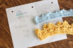 Crochet Me Lovely — waters-wears: I'm sharing two free crochet crown. Crochet Crown Pattern, Newborn Crochet Patterns, Crochet Patterns For Beginners, Free Pattern, Crochet Geek, Crochet Baby, Free Crochet, Knit Crochet, Ravelry Crochet