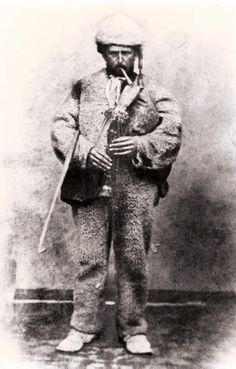 Le berger Alphonse Gheux photographié en 1885 à la procession du Fiertel de Ronse. Il joue la 'muchosa'.