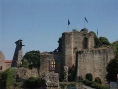 Chateau de Tiffauges, XIIe, XVe siecle - Adresses, horaires, tarifs.