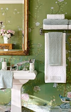 Featuring a modern chinoiserie cane pattern, our exclusive Paradiso Caning Towel Collection is finished using a proprietary process that produces dense, double-loop construction and a lush, suede-like texture. Green Interior Design, Room Wallpaper, Green Wallpaper, Chinoiserie Chic, Inspirational Wallpapers, Bathroom Interior, White Bathroom, Lush, Modern