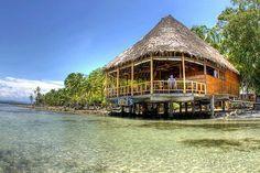 bibis-on-the-beach, bar  restaurant on Carenero island, Bocas del Toro, Panama @OTourDuMonde
