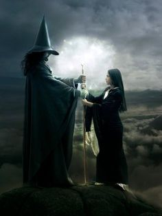 wicca pagan how to do a spiritual house cleansing from my own bos Free Love Spells, Real Witches, Witches Brew, Male Witch, Witch Art, Coven, Black Magic, Mystic, Pictures
