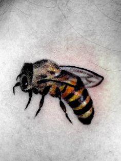 tattoo bee by nirpa on deviantART