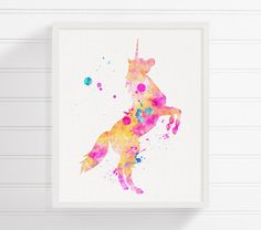 He encontrado este interesante anuncio de Etsy en https://www.etsy.com/es/listing/190045577/unicorn-art-print-watercolor-unicorn