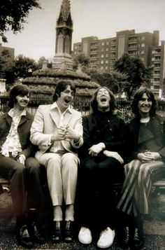 The beatles laughing - rare