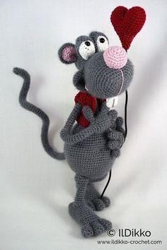 Amigurumi Crochet Pattern Roberto the Romantic Rat