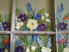 Take a look at this remarkable windows painting - what an inventive version Old Windows Painted, Painted Window Panes, Window Frame Art, Painting On Glass Windows, Painting Glass Jars, Mirror Painting, Window Paint, Vintage Windows, Window Hanging
