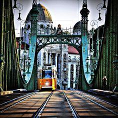 Liberty Bridge, Budapest Pont de la Liberté Szabadsàg Hid Vacation Destinations, Vacation Trips, Places Around The World, Around The Worlds, Liberty Bridge, Capital Of Hungary, European City Breaks, Most Beautiful Cities, Central Europe