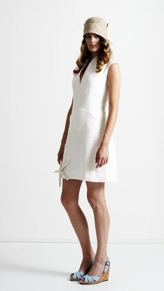 Dress made from organic linen. Closed with zipper on de sideseam This dress has 2 pockets and pleats on the front. Dress Making, My Outfit, White Dress, Organic, Cream, The Originals, Stuff To Buy, Outfits, Image