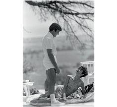 Audrey Hepburn et Albert Finney par Terry O Neill http://www.vogue.fr/photo/le-portfolio-de/diaporama/les-photos-de-terry-o-neill/12862/image/747253#!audrey-hepburn-et-albert-finney-par-terry-o-neill