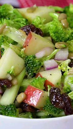 Vegan Broccoli Salad, Broccoli Salad With Raisins, Broccoli Raisin Salad, Spinach Salad, Cucumber Salad, Healthy Salad Recipes, Low Carb Recipes, Vegetarian Recipes, Vegetarian