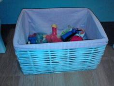 Kész doboz, újságpapírból. Plastic Laundry Basket, Organization, Home Decor, Getting Organized, Homemade Home Decor, Organisation, Decoration Home, Staying Organized, Interior Decorating