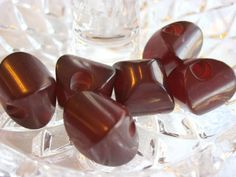 SIX 6 VINTAGE ANTIQUE ART DECO CHERRY AMBER RED CUSHION SHAPED BAKELITE BUTTONS