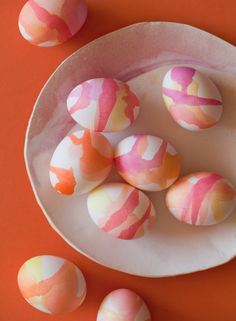 Drizzled watercolor Easter eggs -- love how these look!
