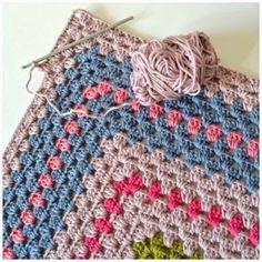 かぎ針一本で色々な模様や編み方ができる「かぎ針編み」は編み物初心者の方にもおすすめ!