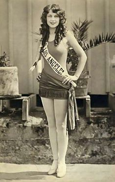 Adrienne Dore, beauty contestant. She was Miss Los Angeles and was 1st runner up in Miss World 1925. Soon after she turned platinum blonde and went on to a successful career as a Hollywood actress. Atlantic City, USA. 1925