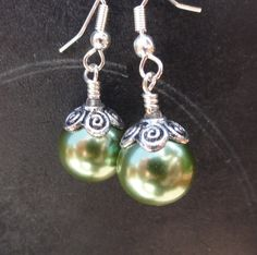 Slytherin Pearl Earrings - these are pretty