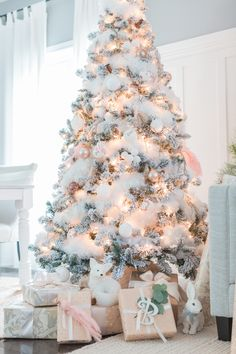 A gorgeous white and pale pink tree from Craftberry Bush