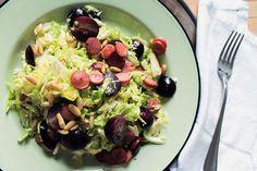 Hardal soslu ve sosisli brüksel lahanası salatası