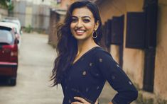 Download wallpapers Radhika Apte, beauty, indian actress, brunette, Bollywood