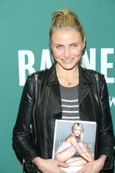 Cameron Diaz Photos Photos: Cameron Diaz Signs Copies of Her New Book Cameron Diaz Hair, The Body Book, Diet Books, Workout Regimen, Nice Body, Leather Jacket, Signs, Celebrities, Fitness