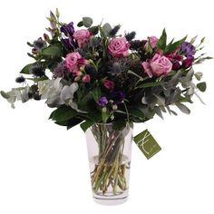 Violett, Lila, Flieder - mit diesem wunderschönen Blumenstrauß kann der Frühling in Ihr Heim einziehen. #violet #purple #flowers Glass Vase, Home Decor, Pink, Asylum, Nice Asses, Ideas, Decoration Home, Room Decor, Home Interior Design
