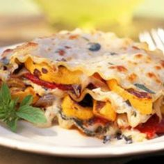 Vegetarian Entrees Under 300 Calories - All about cooking and good taste - - Roasted - Kalorienarme Rezepte Roasted Vegetable Lasagna, Vegetable Lasagna Recipes, Roasted Vegetables, Vegetable Lasagne, Roasted Squash, Roasted Onions, 300 Calories, Pasta Pizza, Low Calorie Lunches