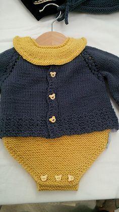 Valentine's Day Yarn Wreath – Free Pattern – Interests Knitting For Kids, Baby Knitting Patterns, Crochet For Kids, Baby Patterns, Knit Crochet, Crochet Patterns, Knitted Baby Clothes, Baby Cardigan, Cardigan Pattern