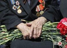 Правозащитники готовят доклад об издевательствах над ветеранами ВОВ на Украине                              Правозащитники в Московском бюро по правам человека возмущены вопиющими издевательствами над ветеранами Великой Отечественной войны в Киеве, Львове и других город
