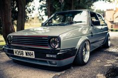 bagged vw mk2 golf with klutch wheels sl1 16x8 and 16x9 black with machined lip