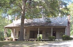 Historic dogtrot in Mississippi
