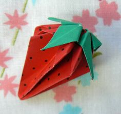Origami and Quilts for Japan Recent Earthquakes, Fabric Origami, Useful Origami, Thing 1, Fundraising, Paper Crafts, Japan, Quilts, Diy