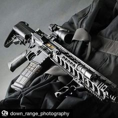 Our #grahamdefenseusa #tin #bcg in the sexy build and photography by @down_range_photography #Repost Some @crossmachinetool for ya. @fortismfg REV rail muzzle device Hammer charging handle and SHIFT with some @etsgroup mag goodness and @arisakadefense light body and KeyMod mount. #downrangephotography #defenseMK #gunsdaily #dailybadass #simplyguns #sickguns #gunbadassery #gundose #gunsdaily #weaponsdaily #weaponsfanatics #gunfanatics
