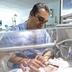 Maimonides Dir NICU uses a stop light to monitor sound levels.