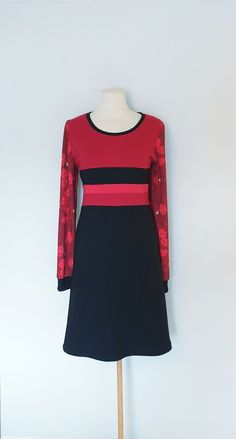 Kjole str. 42 Handmade Dresses, High Neck Dress, Fashion, Turtleneck Dress, Moda, Fashion Styles, Fashion Illustrations, Handmade Clothes, High Neckline Dress