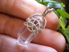 Silver CELTIC TRIQUETRA KNOT Quartz Point PENDANT #5 Crystal Healing Jewelry