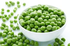Peas and Qs - Why is There Green Food Dye in Our Peas? - Home Cooking Recipes Food Is Fuel, A Food, Food And Drink, Dog Food Recipes, Cooking Recipes, Healthy Recipes, Benefits Of Peas, Health Benefits, Food Dye