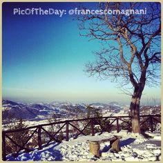 La #PicOfTheDay #turismoer di oggi arriva dalle colline innevate della Valmarecchia: Complimenti e grazie a @francescomagnani