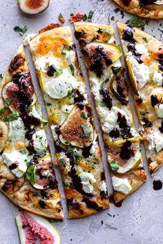 Fig Balsamic Naan Flatbreads - Dash of Mandi Veggie Recipes, Appetizer Recipes, Vegetarian Recipes, Cooking Recipes, Fig Pizza, Naan Pizza, Veggie Pizza, Pizza Pizza, Fig Flatbread