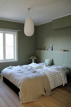 Headboard Art, Headboard With Shelves, Headboards For Beds, Home Decor Bedroom, Bedroom Wall, Bedroom Furniture, Bedroom Ideas, Bedroom Artwork, Tongue And Groove Walls